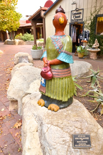 "What serious shopper wouldn't find this endearing? ""Early Bird"" sculpture, Ojai, CA."