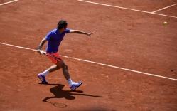 Classic Federer forehand preparation.