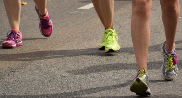 Three runners (yup, six feet...)