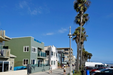 Houses along Ocean Walk in Venice Beach.
