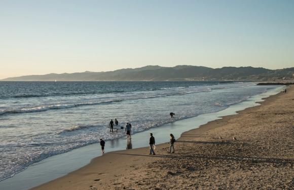 BeachGoers-DSC_0445