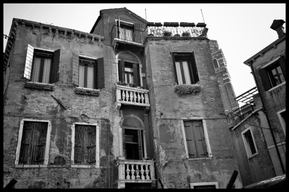 Buildings-BW-Web_DSC0226