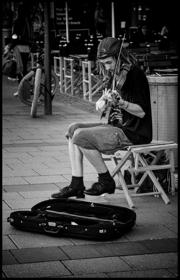 B&W-Musician_Web-DSC_4966
