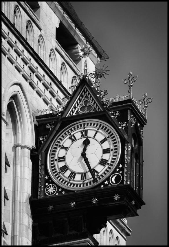 Clock-B&W_Web-DSC0831
