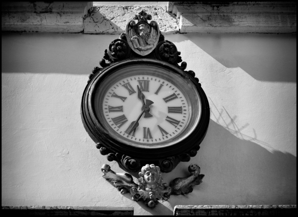 Clock-B&W_Web-DSC1452