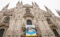 Duomo di Milano. Frontal shot.