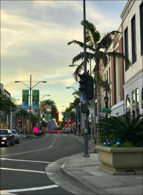 Nice view of Rodeo Drive, on the way back home.